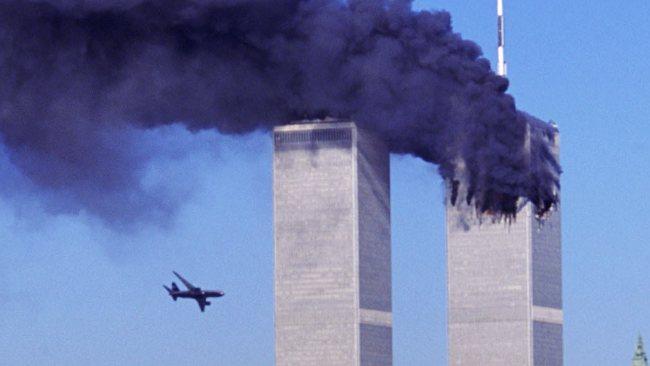 Остров Шпицберген, Арктикуголь, лот из двух предметов: 10 разменных знаков 2001 г. СПМД, против терроризма-Нью-Йорк 11 сентября, 10 разменных знаков 2001 г. СПМД, подъем подлодки Курск