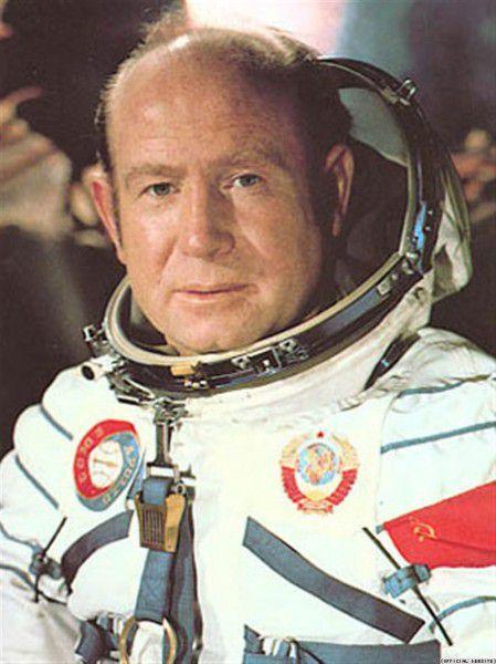 Один полтинник 1965 г. ММД, 2015 г., Леонов А.А. - 50 лет выхода человека в открытый космос.